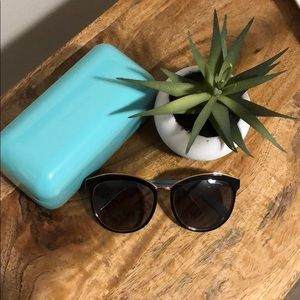 Tiffany and Co sunglasses style 4146